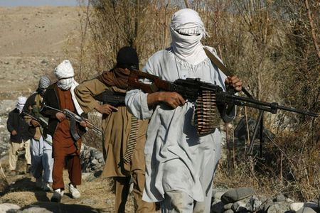 Hang loat vu khung bo om bom tu sat nham vao Afghanistan - Anh 3