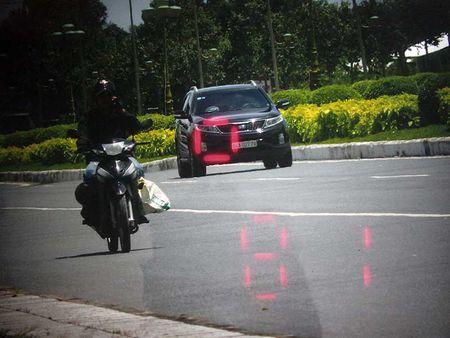 CSGT dung xe cho Tuong Liem: 'Chu chui qua troi chui' - Anh 1