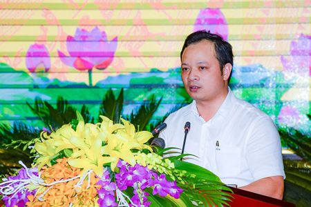 Hung Yen co tan Pho Chu tich UBND tinh 39 tuoi - Anh 1