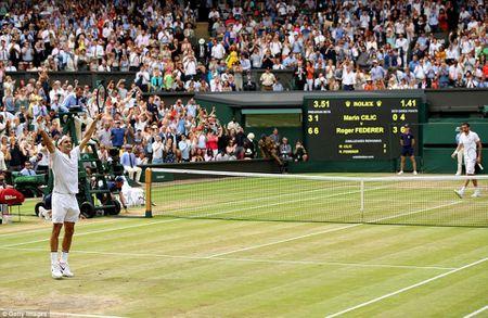 Chung ket Wimbledon: Federer vo dich nhu mo, Cilic bat khoc giua tran - Anh 4