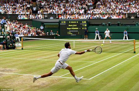 Chung ket Wimbledon: Federer vo dich nhu mo, Cilic bat khoc giua tran - Anh 6