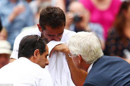 Chung ket Wimbledon: Federer vo dich nhu mo, Cilic bat khoc giua tran - Anh 9