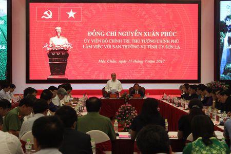 Thu tuong: 'Cang kho khan Son La cang phai vuon len' - Anh 1