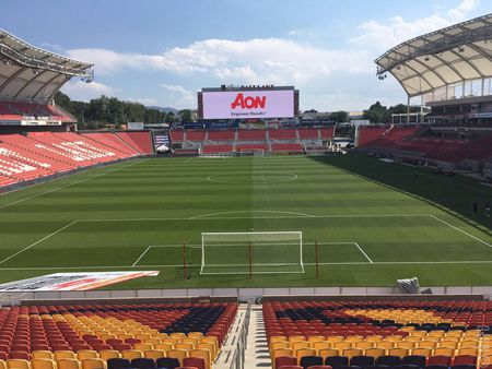 Real Salt Lake vs Man United: Doi hinh 4 hau ve - Anh 1