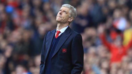 Hang thanh ly o Arsenal: Cai gia cua su nuong chieu - Anh 1