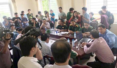 Huy dong hang tram nguoi cuu nan tau van tai VTP 26 - Anh 1