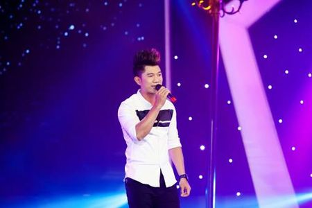 Luong Bang Quang xin loi danh ca Thai Chau vi ngao man trong dem thi - Anh 1