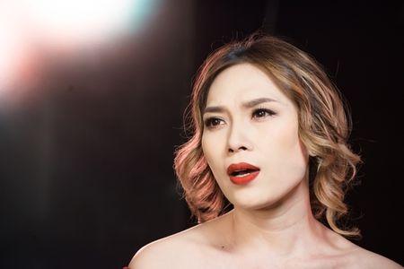 4 diem khien MV cua My Tam moi ra da 'gay bao' - Anh 3