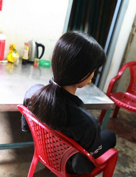 Noi long cua nguoi me co con gai 15 tuoi bi ban hoc hiep dam, mang thai 7 tuan - Anh 1