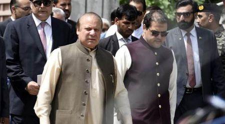 Pakistan truoc nguy co khung hoang chinh tri khi Thu tuong Sharif bi toa an chat van - Anh 1