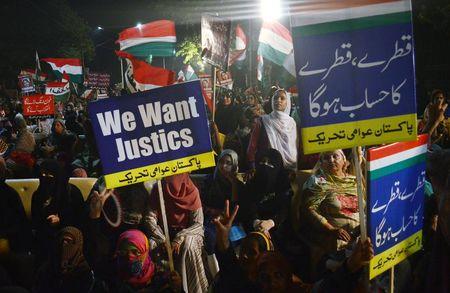Pakistan truoc nguy co khung hoang chinh tri khi Thu tuong Sharif bi toa an chat van - Anh 2