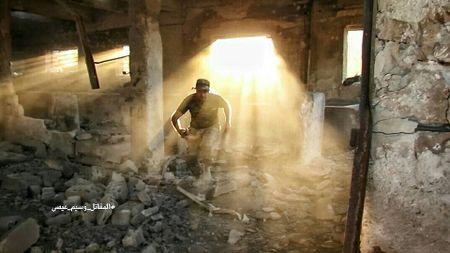 Quan doi Syria ac chien phien quan co thu ngoai vi Damascus - Anh 1