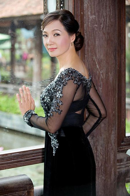 Nhan sac Nghe si Nhan dan Le Khanh qua thoi gian - Anh 8