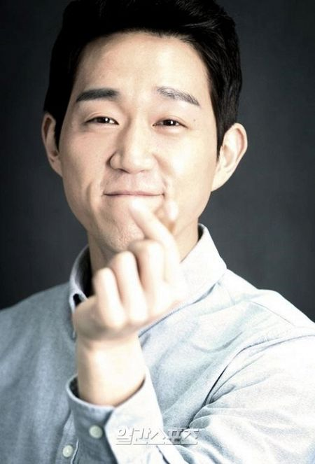 3 sao Han kien cuong 'chien dau', vuot qua can benh ung thu quai ac - Anh 2