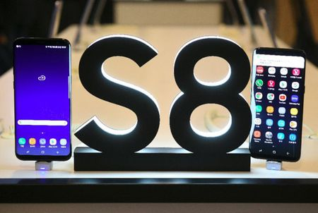 Samsung phu nhan thong tin bo doi Galaxy S8 'ban e' - Anh 1