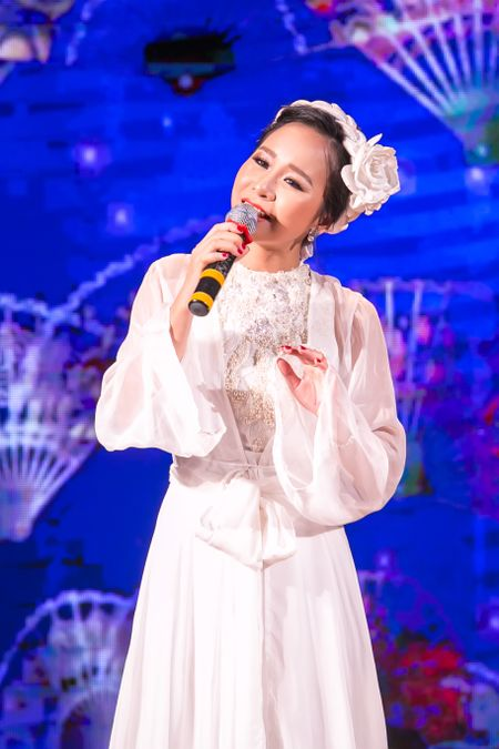 NSND Thu Hien bat ngo khi hoc tro dua nhac pop, jazz vao dan ca - Anh 3