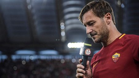 Francesco Totti giai nghe, duoc bo nhiem lam giam doc AS Roma - Anh 7