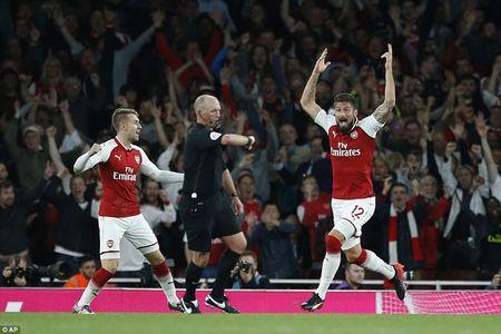 Arsenal ha Leicester sau 'con mua ban thang' o ngay khai mac - Anh 1
