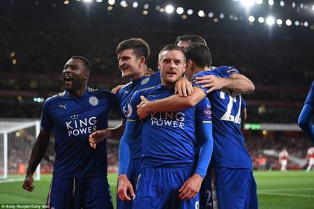 Arsenal ha Leicester sau 'con mua ban thang' o ngay khai mac - Anh 3