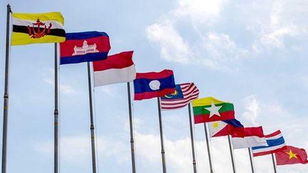 'Di bo vi suc khoe' ky niem Ngay thanh lap ASEAN tai Lao - Anh 1