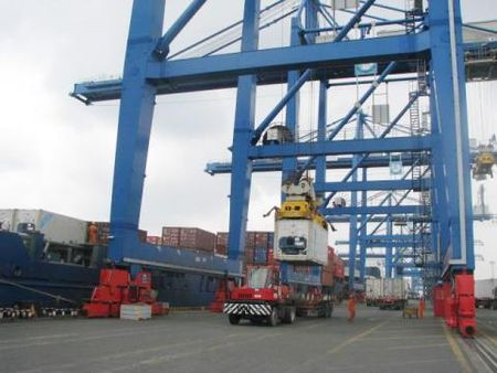 Mat 213 container o cang Cat Lai: Chi dao nong - Anh 1