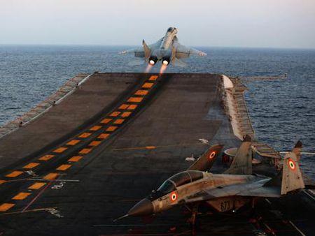 Mikoyan chi con MiG-29K khien khach hang hai long - Anh 1