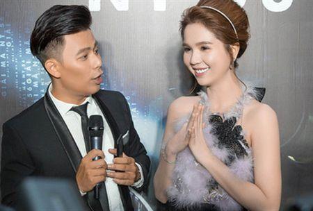 Khi nhan sac xuong doc, Ngoc Trinh co hai lua chon? - Anh 1