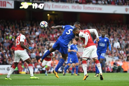 Arsenal 4-3 Leicester: Dau an tien dao - Anh 1