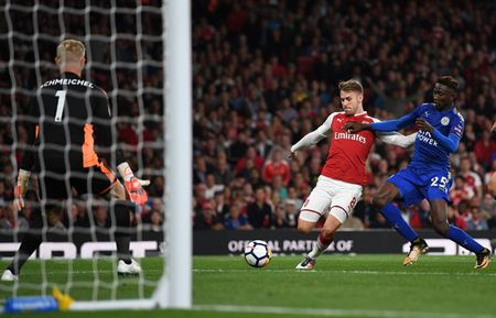 Arsenal 4-3 Leicester: Dau an tien dao - Anh 9