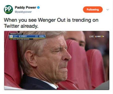 Ngay tran ra mat, 'Wenger Out' da lam loan Twitter - Anh 2