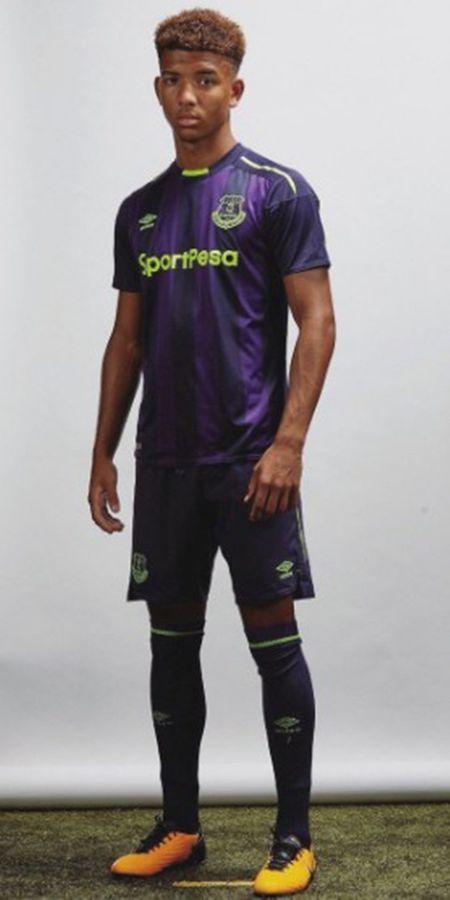 Everton chon cach doc, la de cong bo mau ao dau thu ba - Anh 5