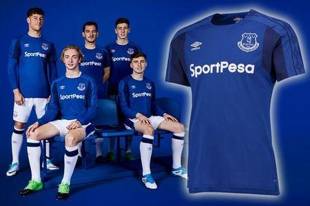 Everton chon cach doc, la de cong bo mau ao dau thu ba - Anh 8