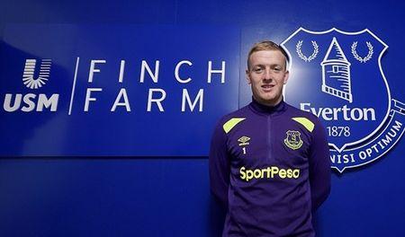 Jordan Pickford hoi hop cho tran dau chinh thuc cho Everton - Anh 1