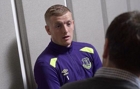 Jordan Pickford hoi hop cho tran dau chinh thuc cho Everton - Anh 3