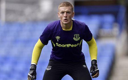 Jordan Pickford hoi hop cho tran dau chinh thuc cho Everton - Anh 7