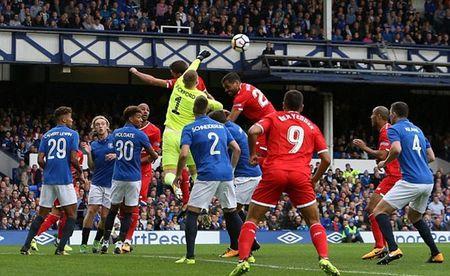 Jordan Pickford hoi hop cho tran dau chinh thuc cho Everton - Anh 8