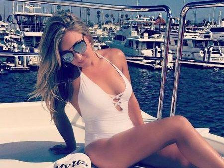 Chelsea Lynn Pezzola khoe vong mot day khieu khich - Anh 2