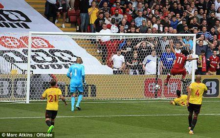 Tan binh dat nhat lich su Liverpool ra mat cuc chat: Keo trai nhu Robben - Anh 2