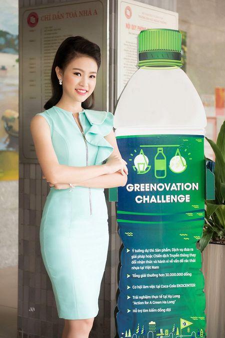 'Co gai vang' cua Hoa hau Viet Nam xinh dep lam Dai su xanh - Anh 2