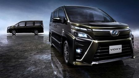 Phien ban gia re cua Toyota Alphard chinh thuc ra mat - Anh 3