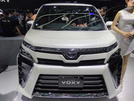 Phien ban gia re cua Toyota Alphard chinh thuc ra mat - Anh 5