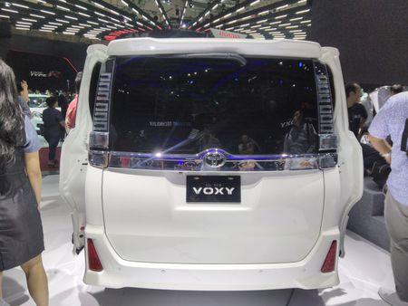 Phien ban gia re cua Toyota Alphard chinh thuc ra mat - Anh 6