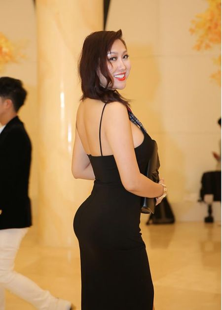 Vua moi 'dap di xay lai' co the, Phi Thanh Van lai de lo diem bat thuong tren co the gay soc - Anh 3