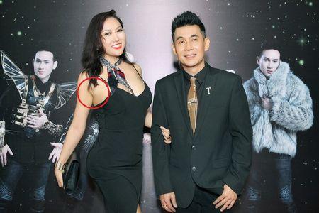 Vua moi 'dap di xay lai' co the, Phi Thanh Van lai de lo diem bat thuong tren co the gay soc - Anh 5
