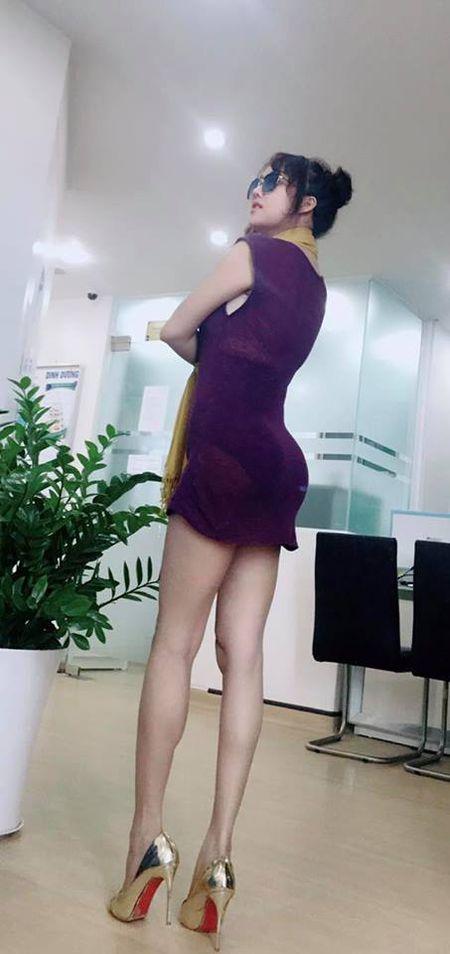 Vua moi 'dap di xay lai' co the, Phi Thanh Van lai de lo diem bat thuong tren co the gay soc - Anh 7