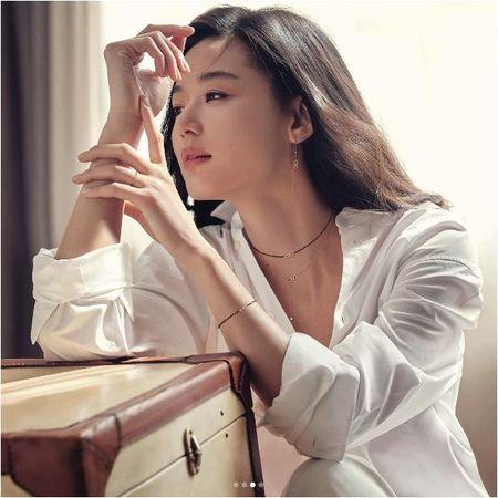 Co bau dua thu 2, Jeon Ji Hyun con dep hon khi mang thai dua thu nhat - Anh 3
