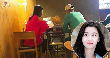 Co bau dua thu 2, Jeon Ji Hyun con dep hon khi mang thai dua thu nhat - Anh 5