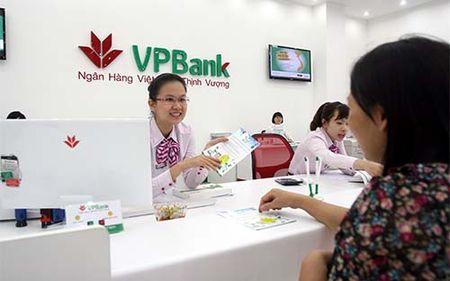 Hien tuong von ngoai chay vao VPBank - Anh 1