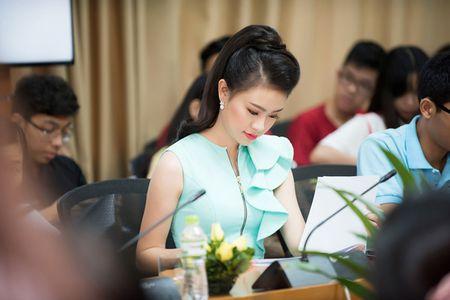 'Co gai vang' cua Hoa hau Viet Nam xinh dep lam dai su xanh - Anh 6