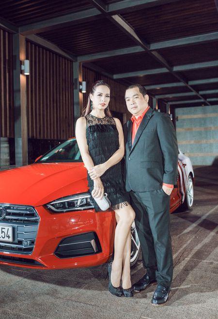 Thanh Hang - Tu Anh tu tin khoe dang, duoc dan cau thu ngoai 'ho tong' di su kien - Anh 5